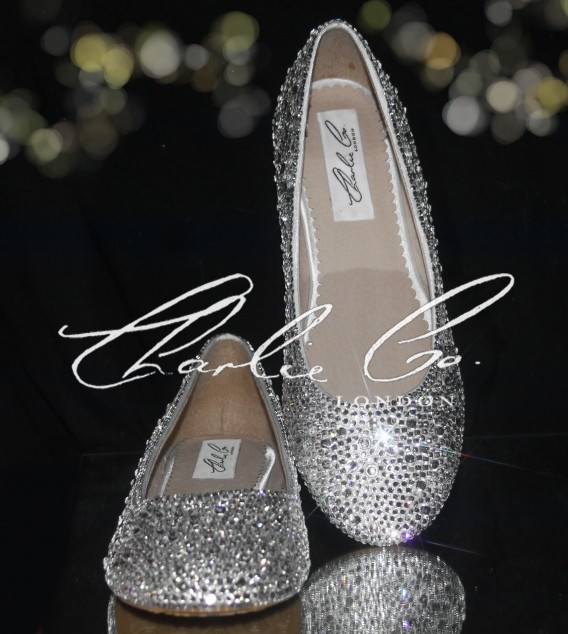 0 Clear Crystal Round Toe Flat Pumps